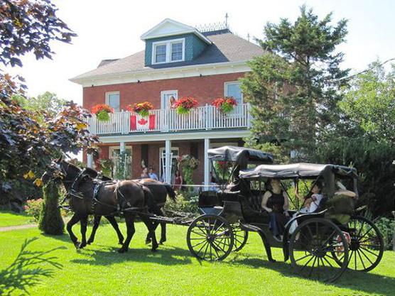 Green Woods Inn Featured Image