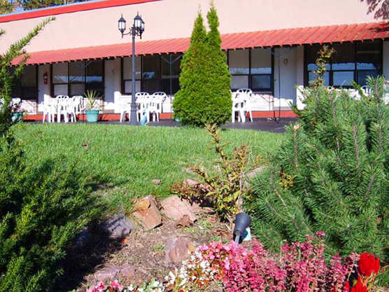 Capricorn Motel Royale 1000 Islands Featured Image