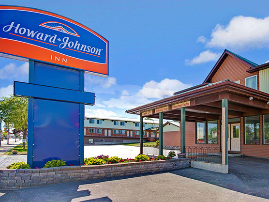 Howard Johnson Inn Gananoque Featured Image