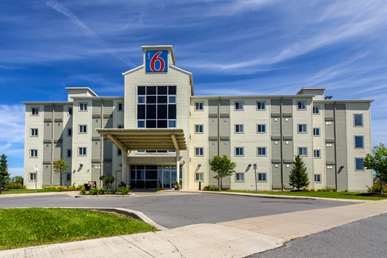 Motel 6 Kingston Featured Image