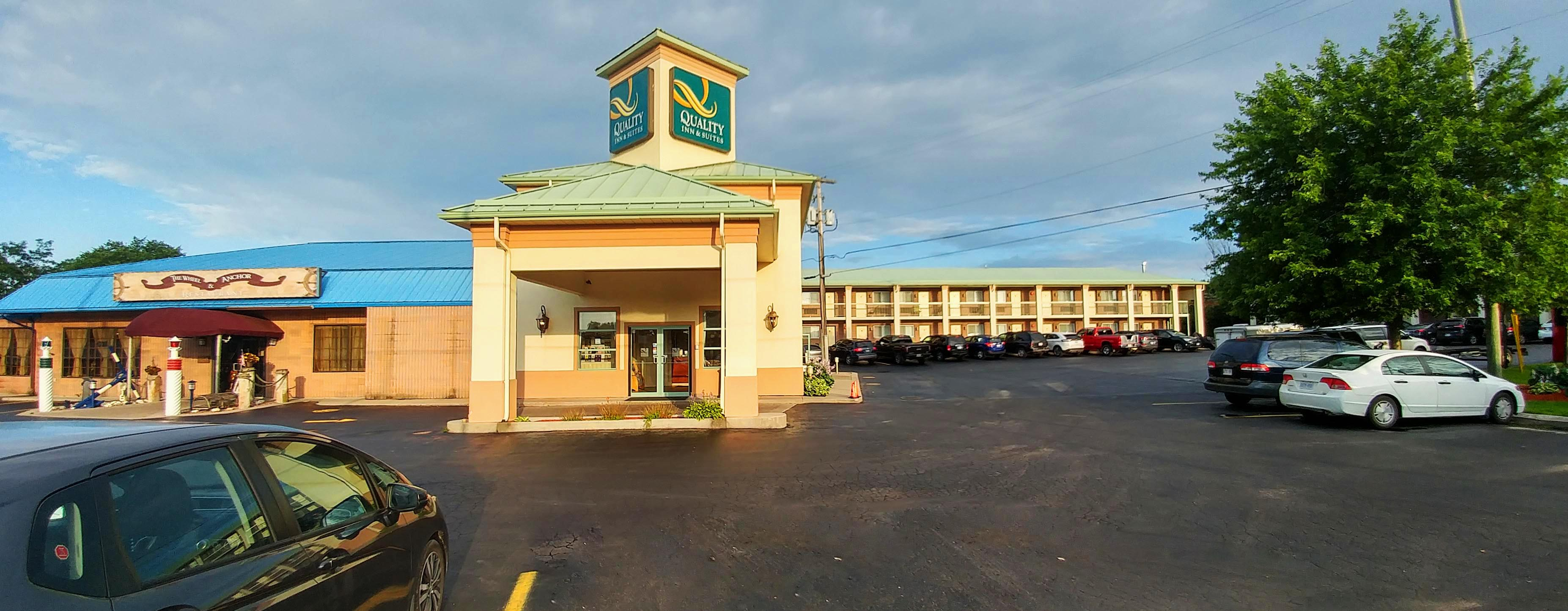 Quality Inn and Suites 1000 Islands Featured Image
