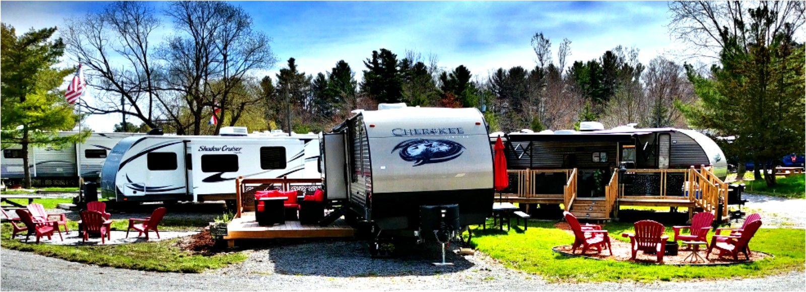 1000 Islands Glamping: Luxury Trailer Rentals Featured Image