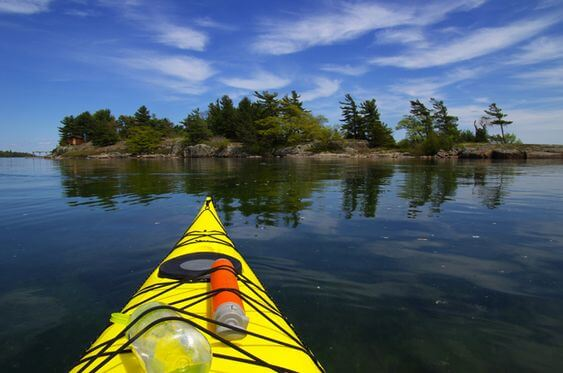 Kayaking-Trip-in-the-1000-Islands,-Ontario,-Canada